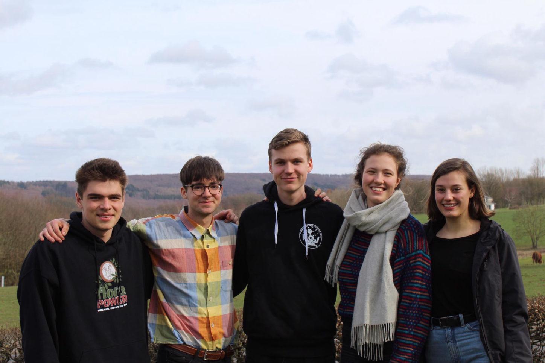 Die fünf Bundessprecher*innen 19/20. Von links nach rechts: Elia, Golo, Paul, Hannah und Lea